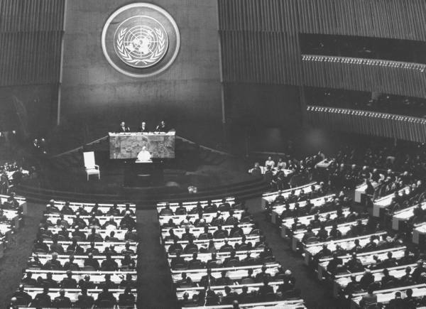 Pope Paul VI in the United Nations – Iconic Photos