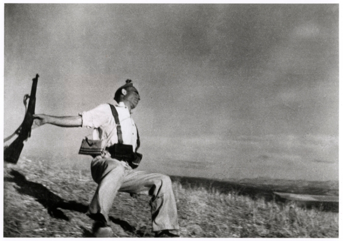 robert-capa-death-of-militiaman