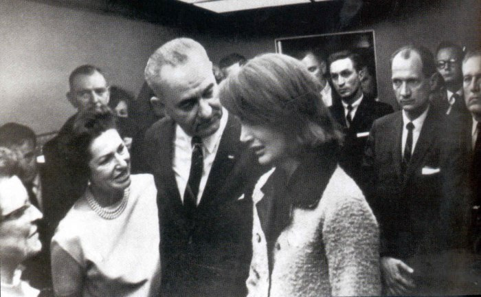 swearing-in-lbj_jpg