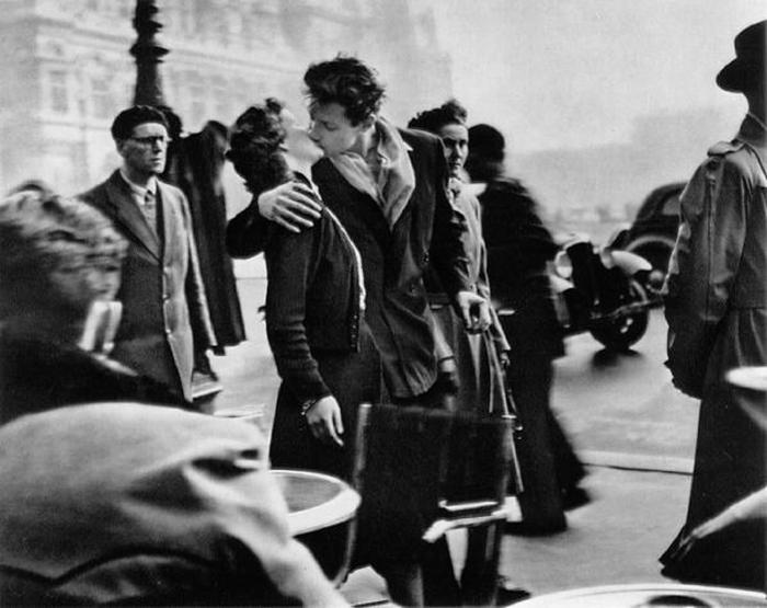Le baiser de l hotel de ville iconic photos for Hotel couple paris