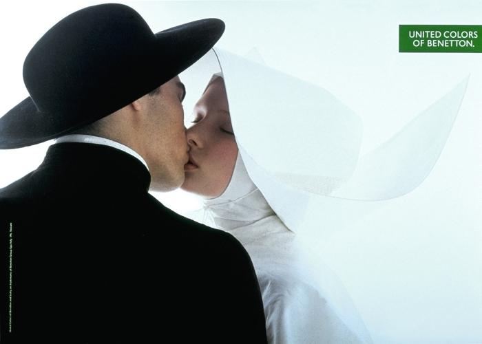kissing_nun
