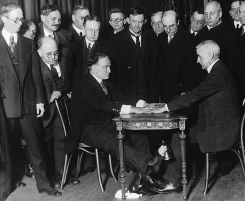 Houdini Exposes Spirit Trickery to New York Clergymen ...