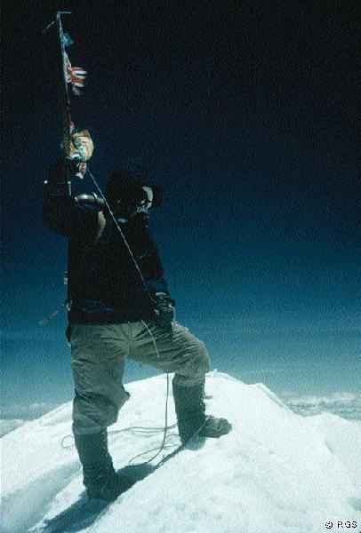 tenzing-norgay-on-everest-summit