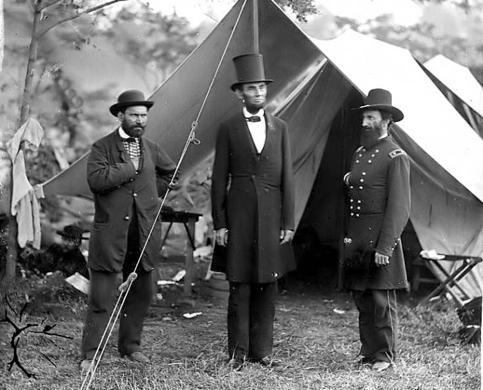 lincoln-at-antietam_small2.jpg