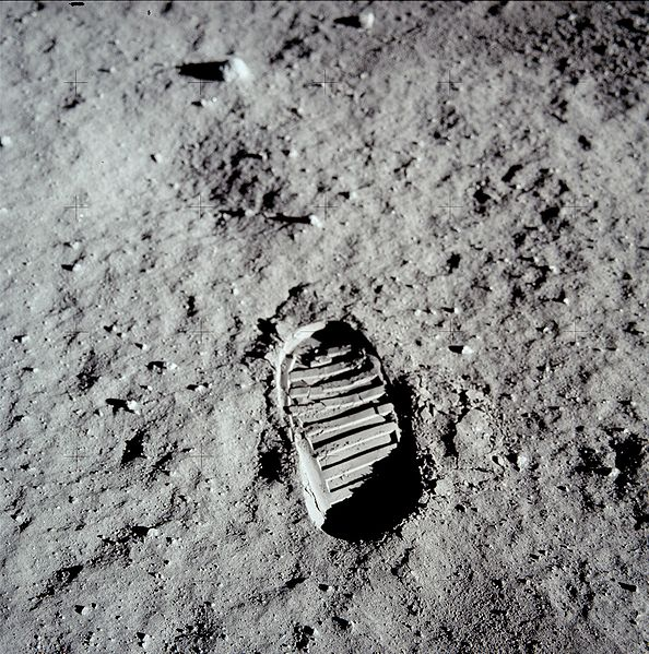 moon-footprint.jpg