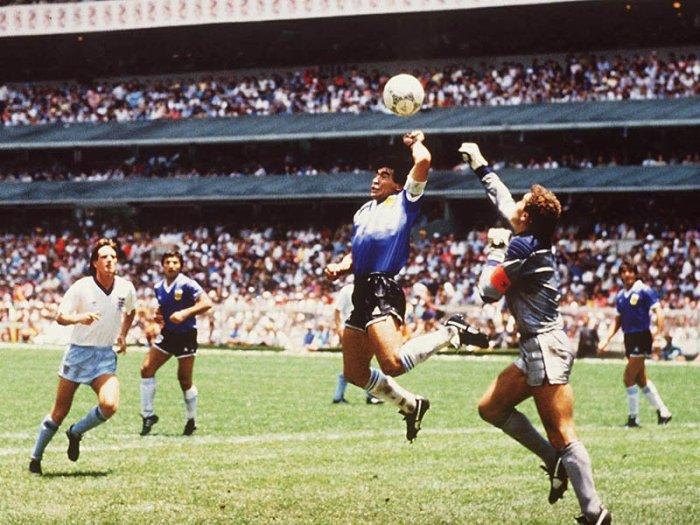 Diego-Maradona-Hand-of-God-England-Argentina-_1496943