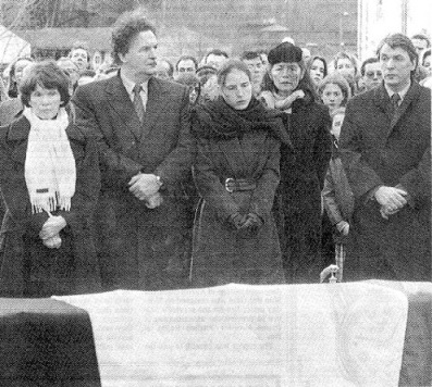 Mitterand's funeral with wife, mistress and children