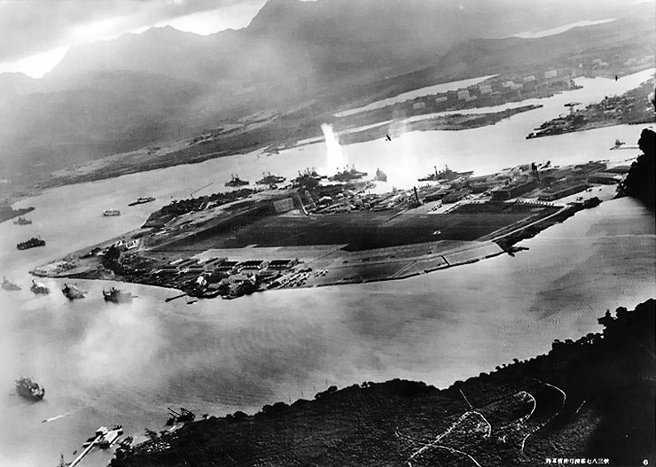 https://iconicphotos.files.wordpress.com/2010/01/attack_on_pearl_harbor_japanese_planes_view.jpg