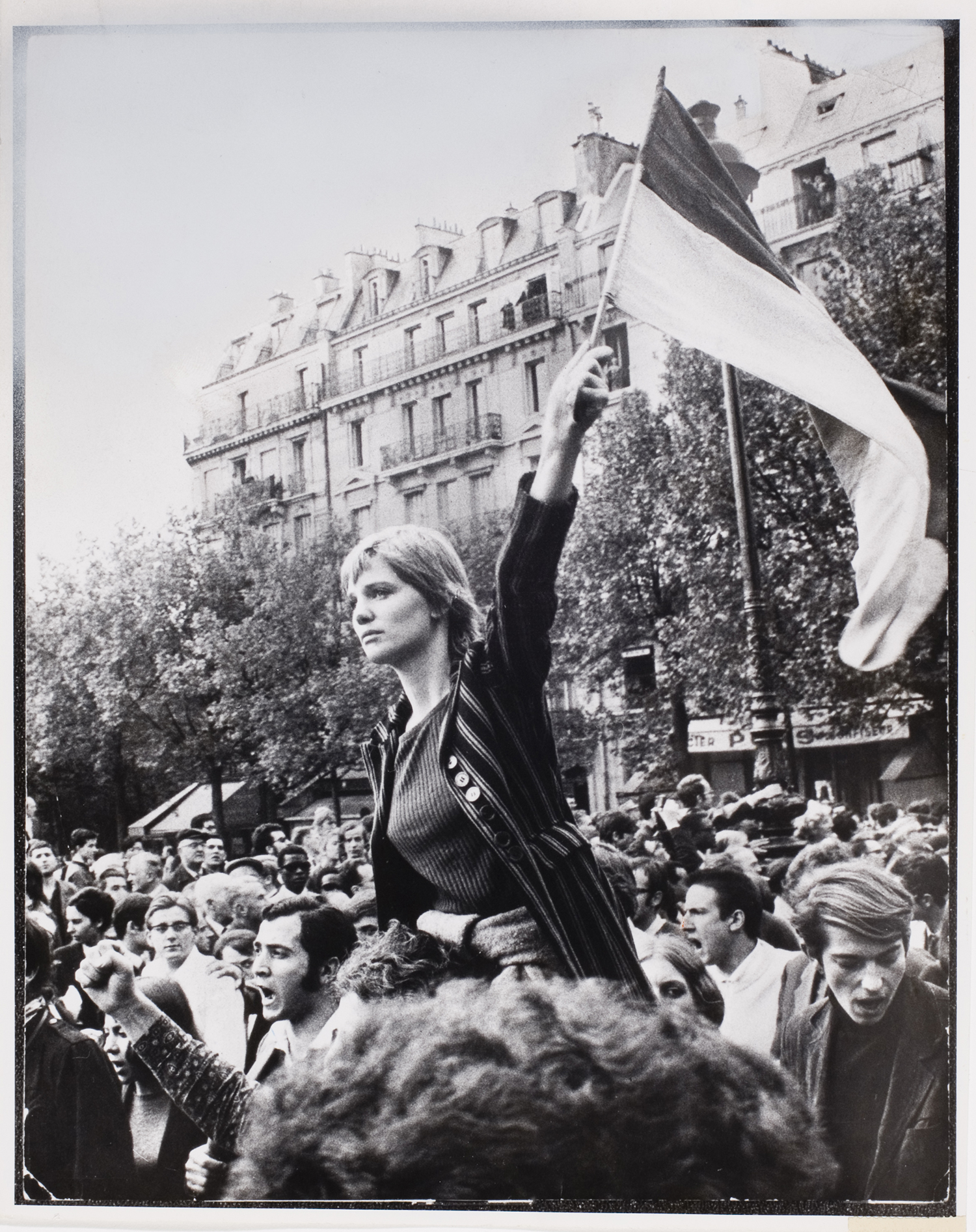 Marianne of 68 iconic photos for Saint 3 mai