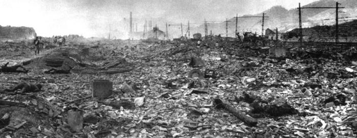 Hiroshima et Nagasaki 3900