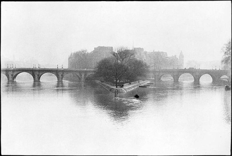 Henri_Cartier_Bresson.Ille_de_la_Cite_Paris.1952