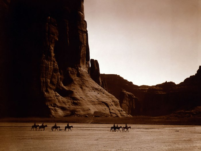 canyon-de-chelly-navajo-by-edward-s-curtis