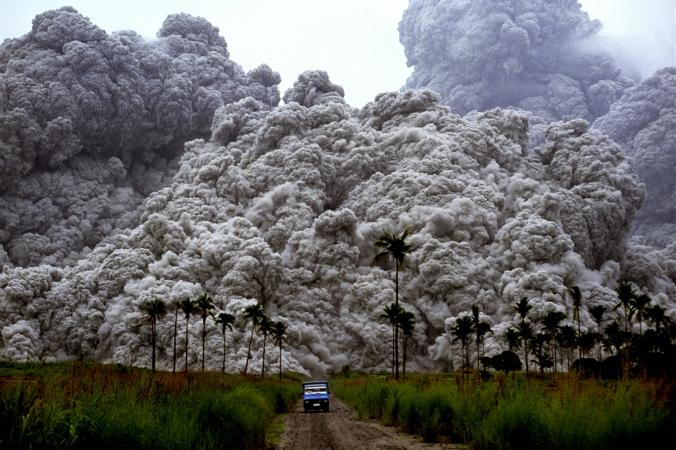 150611_pinatubo_eruption01_albertG.jpg